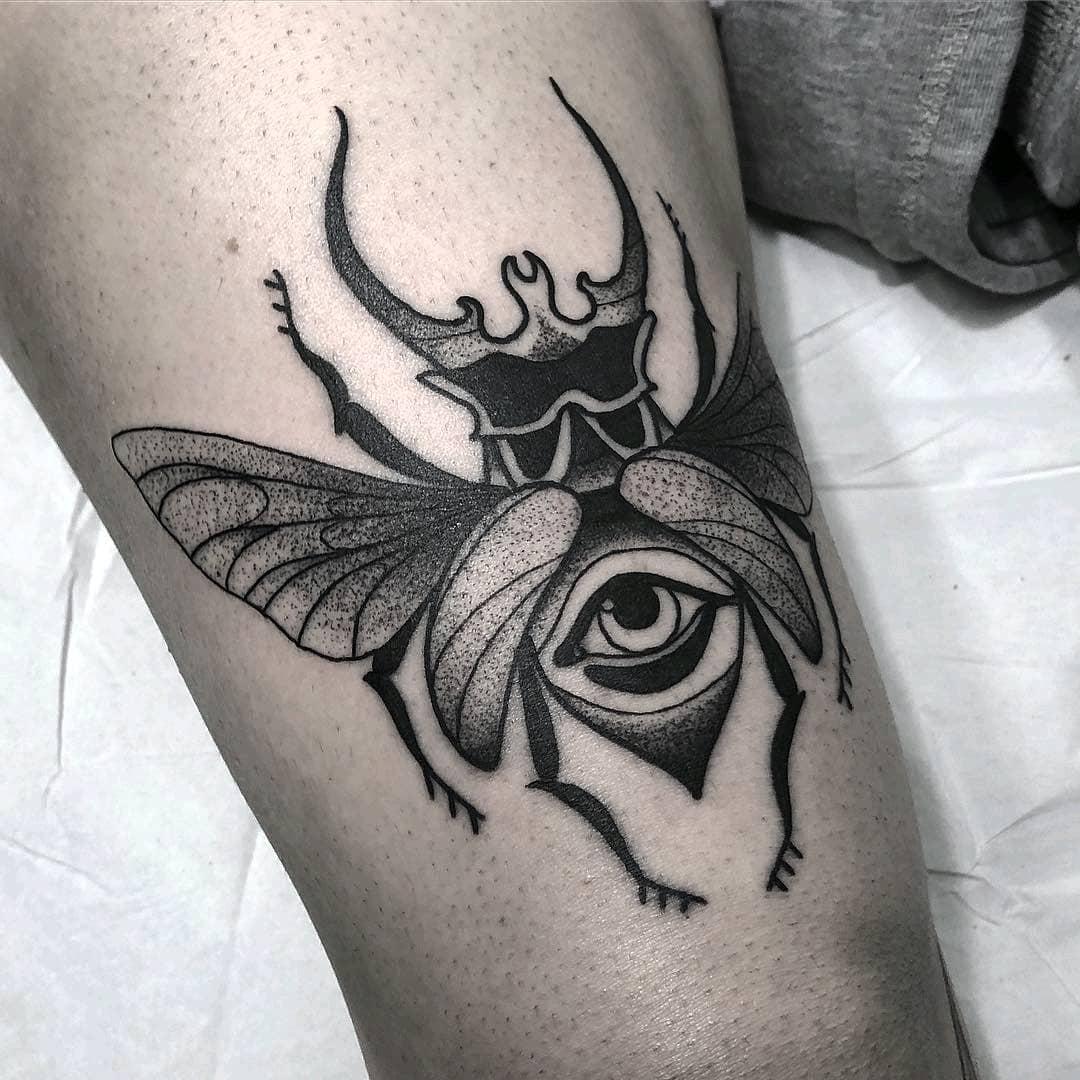 59               大腿彩色写实风格百合花美女纹身图案图片