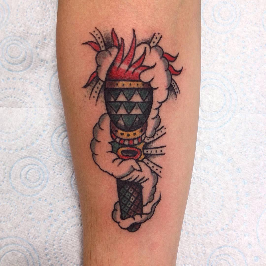 纹身图案女欧美小图案大全图片欣赏 欧美纹身半臂图案
