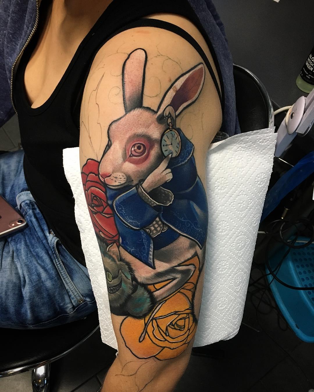 大臂newschool兔子玫瑰纹身图案