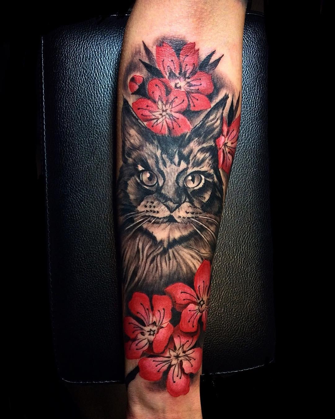 小臂新传统猫咪樱花纹身图案