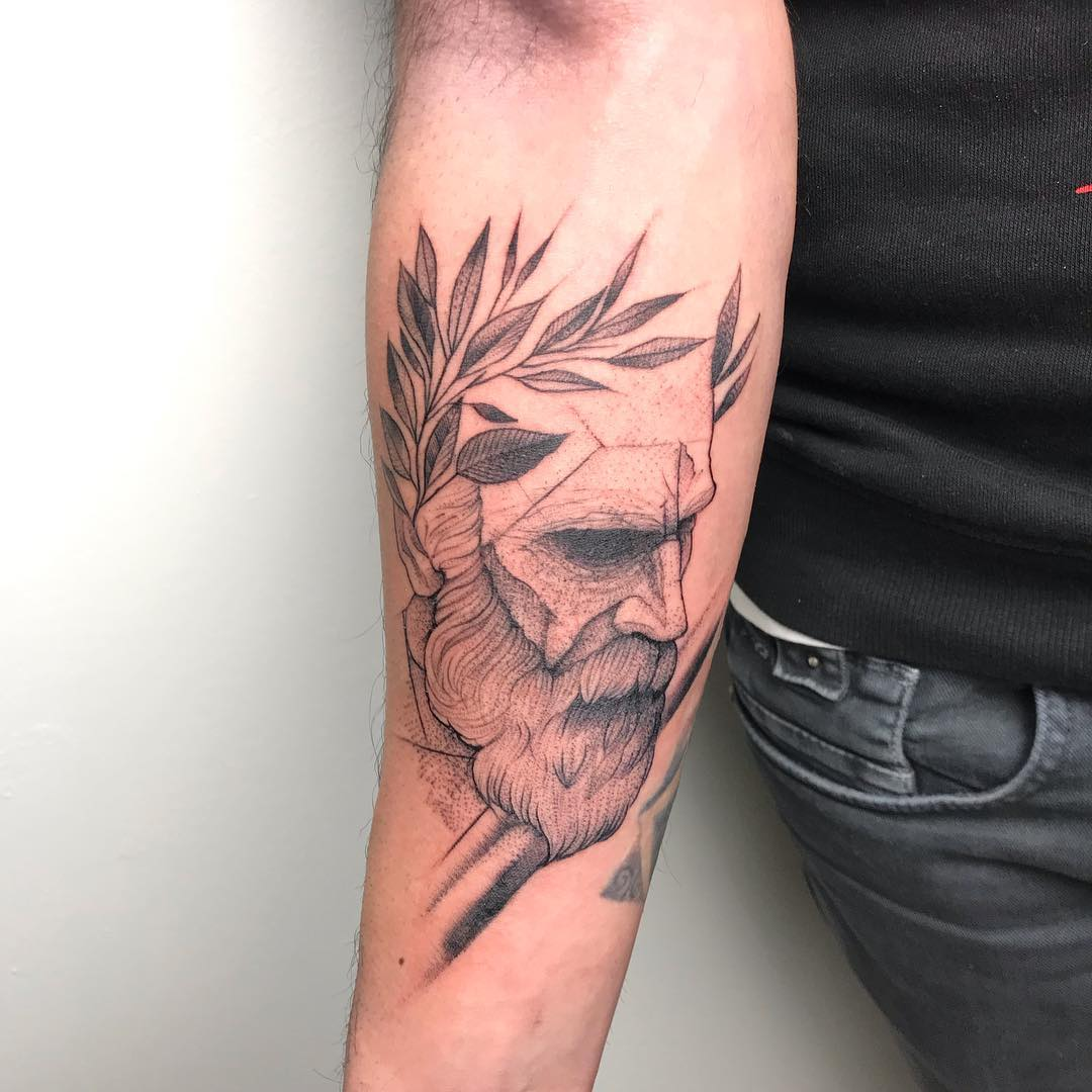 小臂点刺风海神波塞冬纹身图案图片
