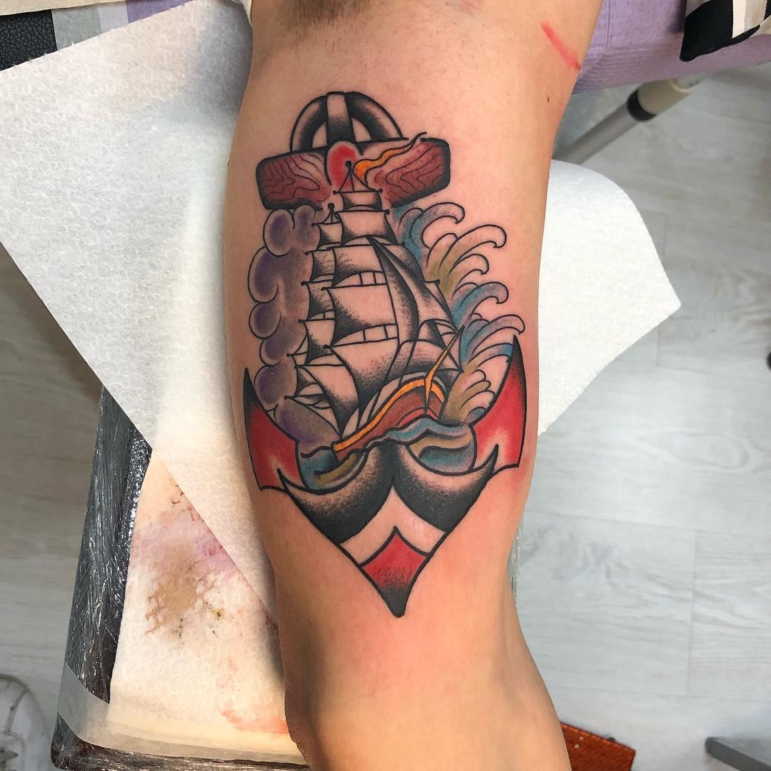 大臂oldschool帆船船锚纹身图案
