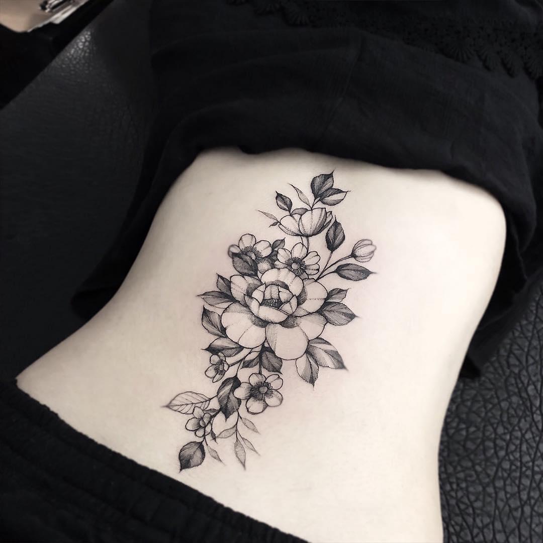后背牡丹纹身图案