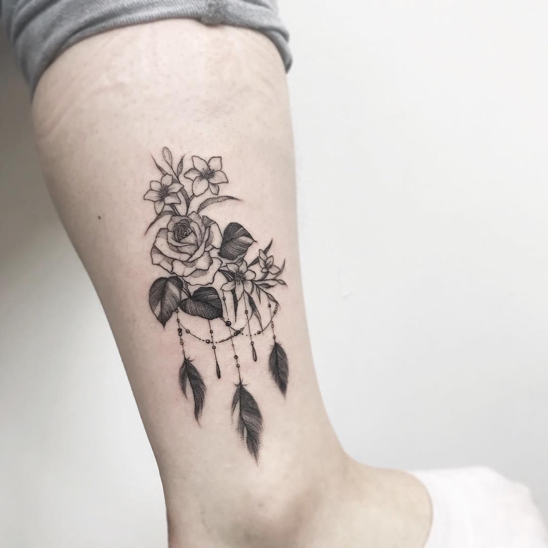 小腿小清新玫瑰花藤纹身图案