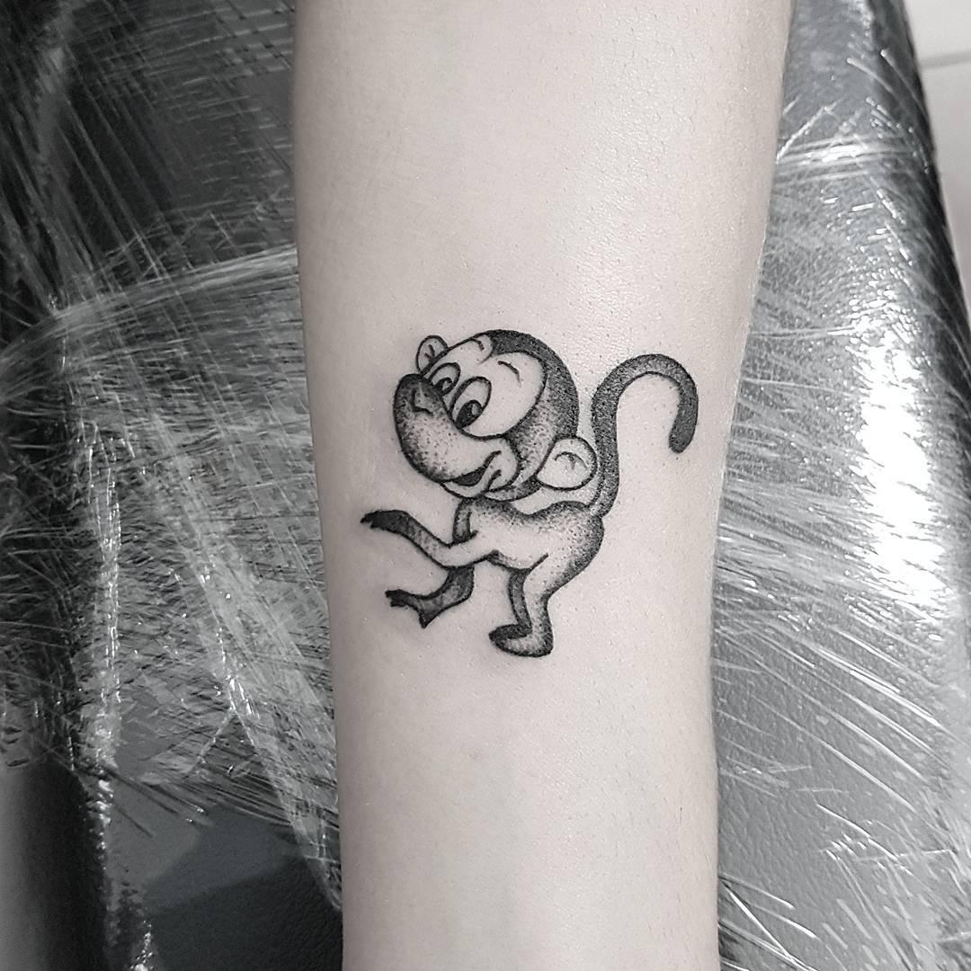 小臂小清新猴子纹身图案