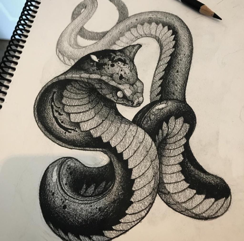黑灰写实眼镜蛇纹身手稿