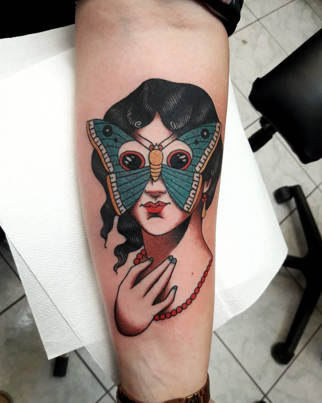 脖颈粉色白狐面具兔子纹身图案图片