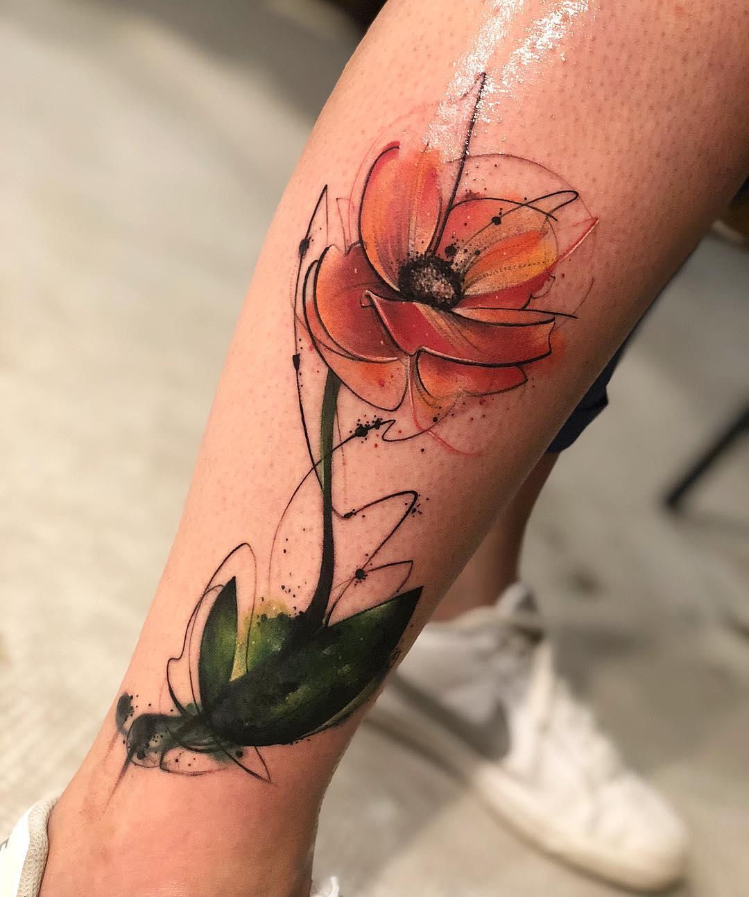 小腿水彩罂粟花纹身图案