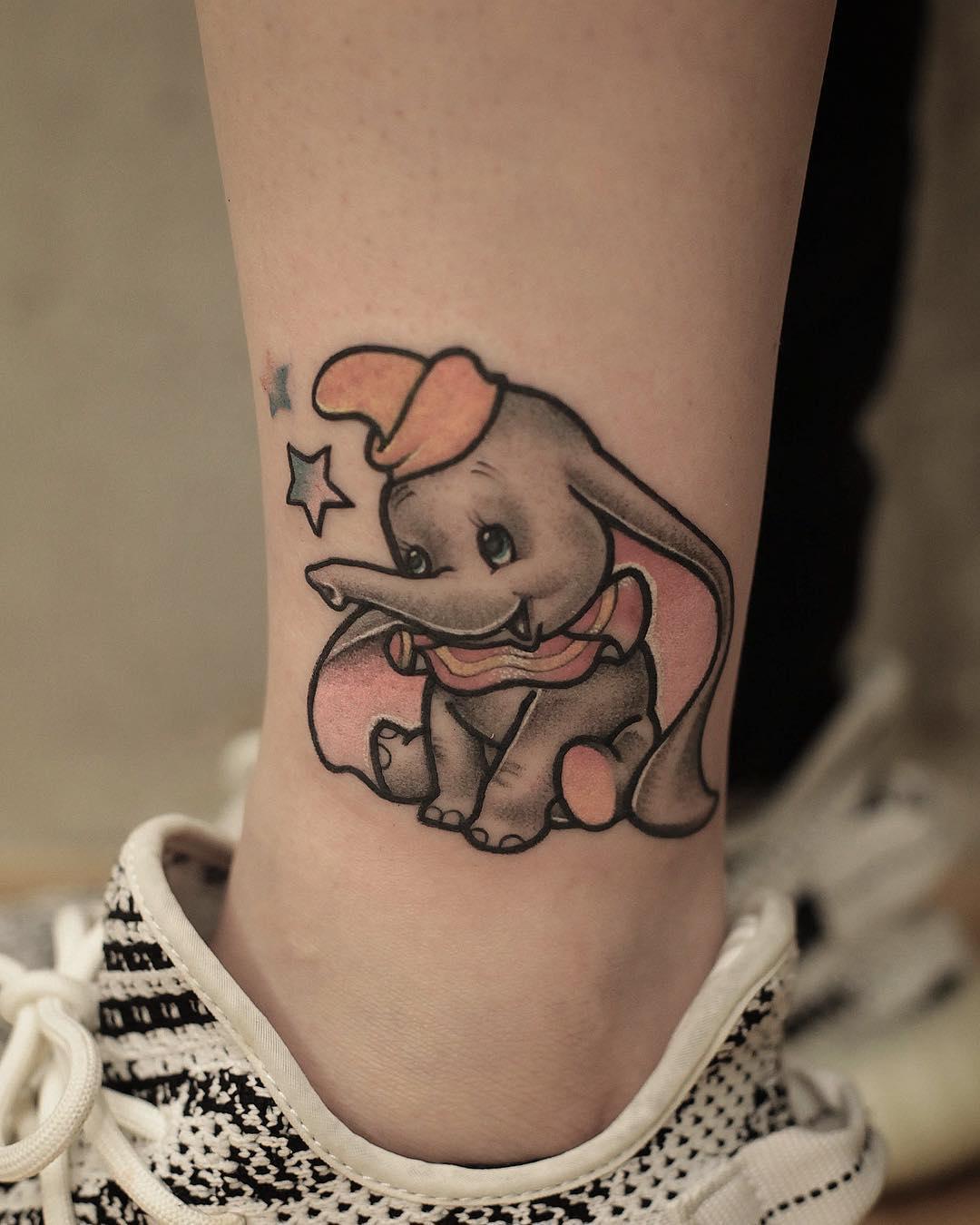 小腿可爱小象纹身图案