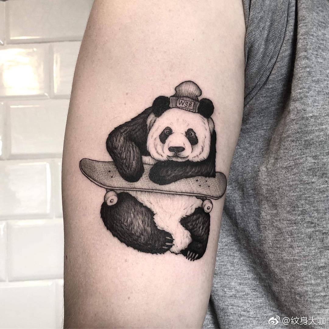 大臂小清新熊猫纹身图案图片